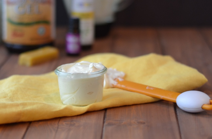 Преимущества крема для лица ручной работы