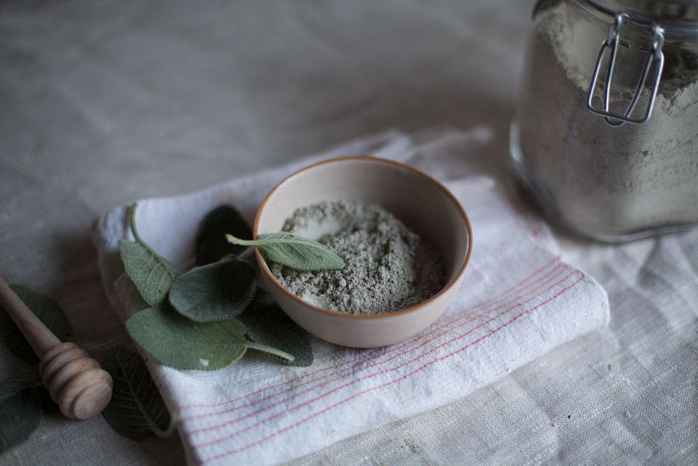 Домашние рецепты масок из глины для лица