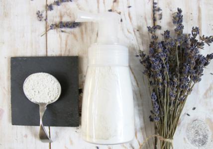 белая глина в сухом дезодоранте